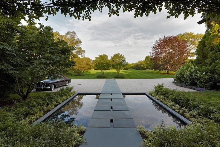 Tour Beautiful Gardens by Edmund Hollander Design Photos | Architectural Digest