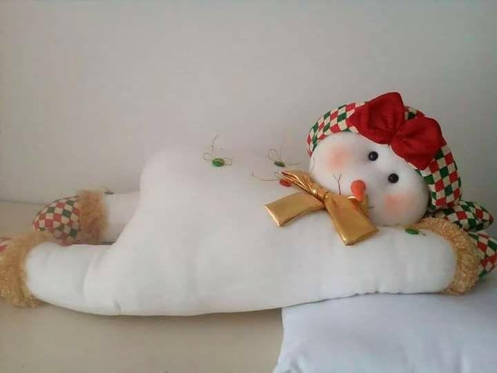 Nieve acostado de muñecos navideños blanca nieve