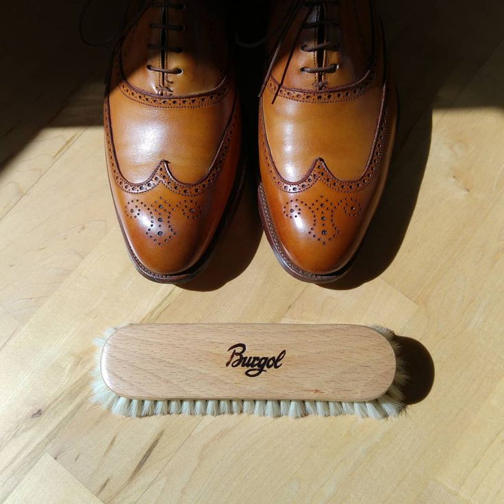 Hot sun, good shoes and the great Burgol Fine Polishing Yak Hair Brush