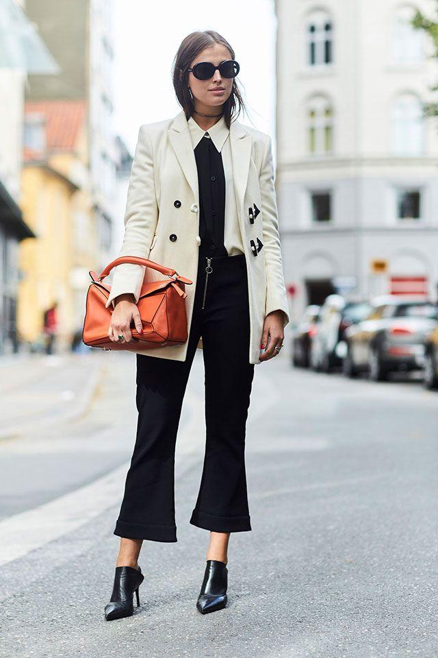 Вчера в Копенгагене стартовала местная неделя моды, которая в прошлом году отмечала 10-летний юбилей. Несмотря на то, что так называемая неделя длится всего три дня, датчане и приехавшие со всего мира журналисты и байеры относятся здесь к моде
