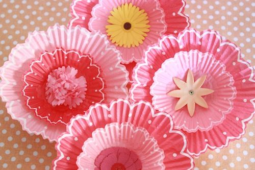 Cupcake liner bouquet decor - how sweet would this be for #valentinesday party?!