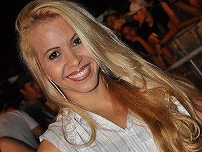 """Joelma da banda Calypso dá conselho para fã homossexual: """"vai virar homem"""""""