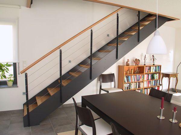 Escalier bois metal droit mederne dans séjour lisses inox ardeche 07