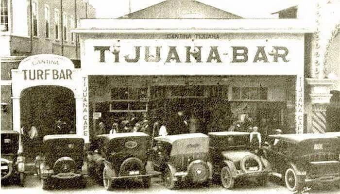 Cantina en TJ a principios del siglo XX