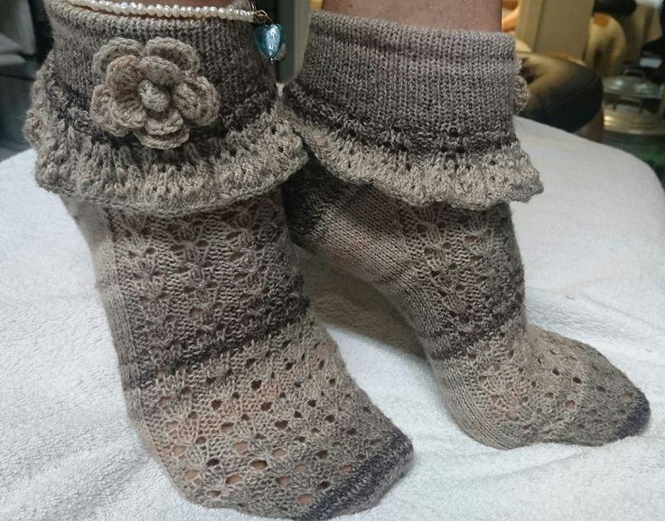 Design me, Tuija Pelkonen = own pattern. Rufflesocks. Frillasukat. Yarn: Fortissima 4-ply cotton stretch.