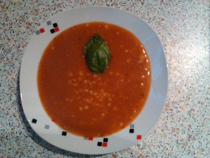 Tomatová polévka s nudlemi