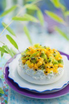 Pavlova aux fruits exotiques, se fait sur deux jours