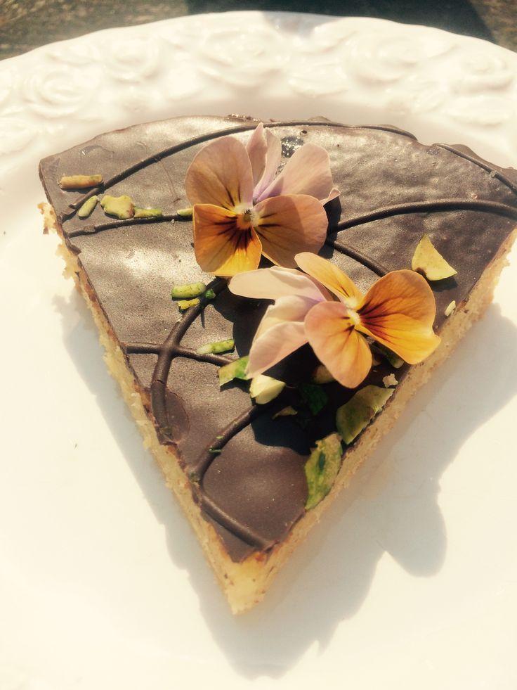 Lækker kage med smukke spiselige blomster 🌸