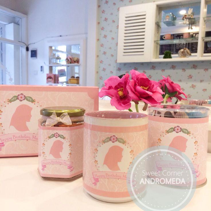 Cutie pink hampers gift