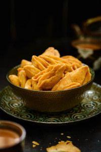 Parti Mathri 60 Recipes to make this Diwali