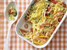 Überbackene Spätzle - Kochen für viele Kinder - smarter - Kalorien: 295 Kcal - Zeit: 20 Min. | eatsmarter.de Ein Auflauf, der nicht nur Kindern schmeckt.