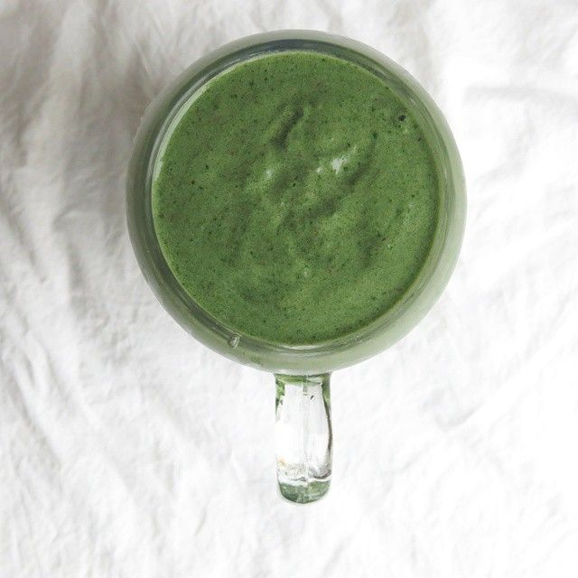 Green smoothie with baobab, spinach and spirulina