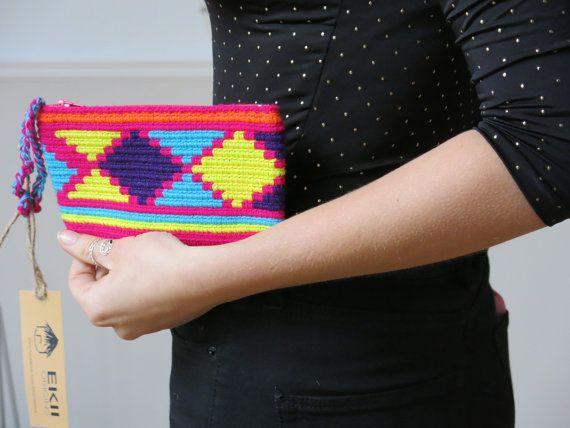 Handmade Wayuu Pattern Purse por EKIIOrigins en Etsy