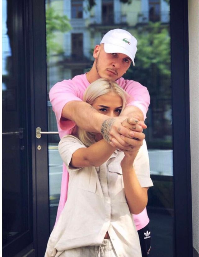 Mozzik and his girlfriend Loredana –