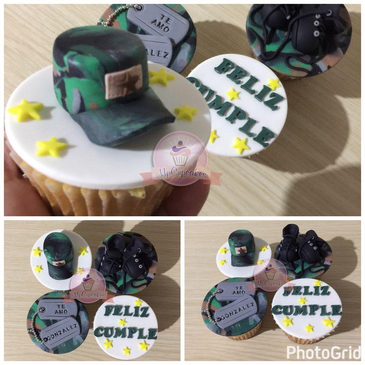 Me esta gustando mucho hacer felices a los militares #cupcakes #cupcakesmilitar #militar #military #domiciliosbogota #army #fondant #cupcakesbogota