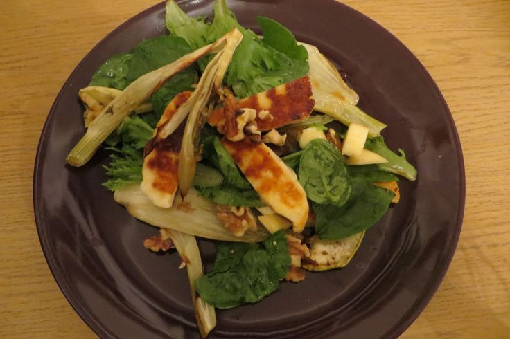 Veggie Waldorf salad  #veggiesalad #halloumi  https://vegemealia.wordpress.com/2016/09/19/halloumi-waldorf-salad/