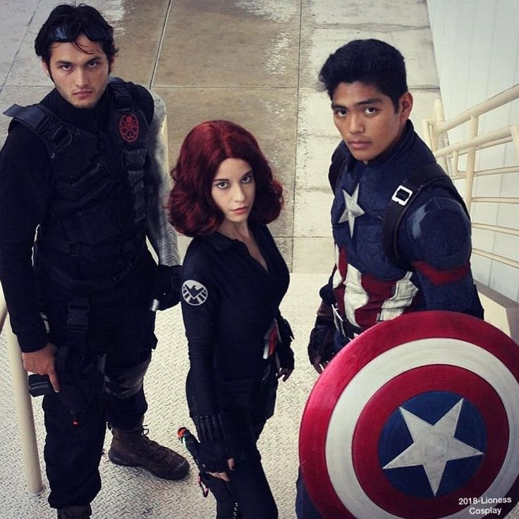 """If you need us you know where to find us.."" #throwback . Throw-back to Longbeach Comic Con! Definitely was my favorite con of 2017! Can't wait 'til Wondercon hits! . . Black Widow: @lionesscosplay Bucky: @nathonegiordano Cap: @captain.novastar . . [pc: @lionesscosplay] . . #lbcc #longbeachcomiccon #captainamerica #steverogers #blackwidow #natasha #bucky #wintersoldier #hawkeye #clint #mcu #infinitywars #thanos #infinitystones #chrisevans #sebastianstan #shield #props #marvel #teamcap…"
