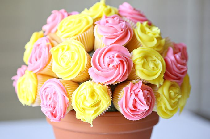 Spring is finally here and I was inspired to craft up some flower cupcakes to make a flower pot bouquet. My very talented mama helped me out with the piped frosting flowers. You'll need to get a wilton 2D tip to create a flower. Any frostingthat's not toorunny will work, including store bought. I'm sharing …