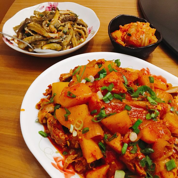 gajinamuel and spicy braised korean chicken. recipe by maangchi youtube. delicious!