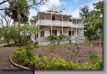 "National Trust Property Guide - ""Pinehurst"", East Maitland, New South Wales"