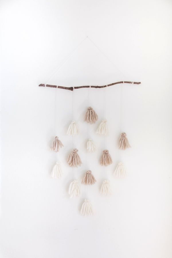 DIY: tassel wall Hanging