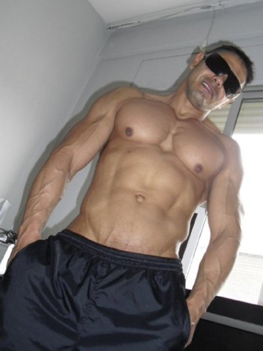 Panamanian hunk Cesar MonteroMuscle Bound, Muscle Men, Muscle Studs