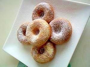 「【焼きドーナツ++】 ~試行錯誤の絶妙配合~」ようやく辿り着いた「冷めてもパサつかない」レシピ!プレゼント用にもオススメ❤(cloerで24~30個位できます。)【楽天レシピ】
