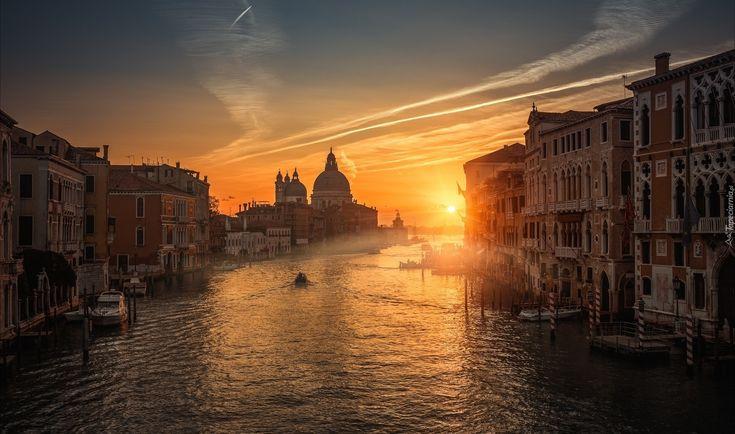 Włochy, Wenecja, Canal Grande, Zachód słońca, Budynki, Łodzie