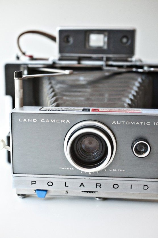 found an old polaroid camera like this at my grandparents house today! its going to be the start of my antique collection.