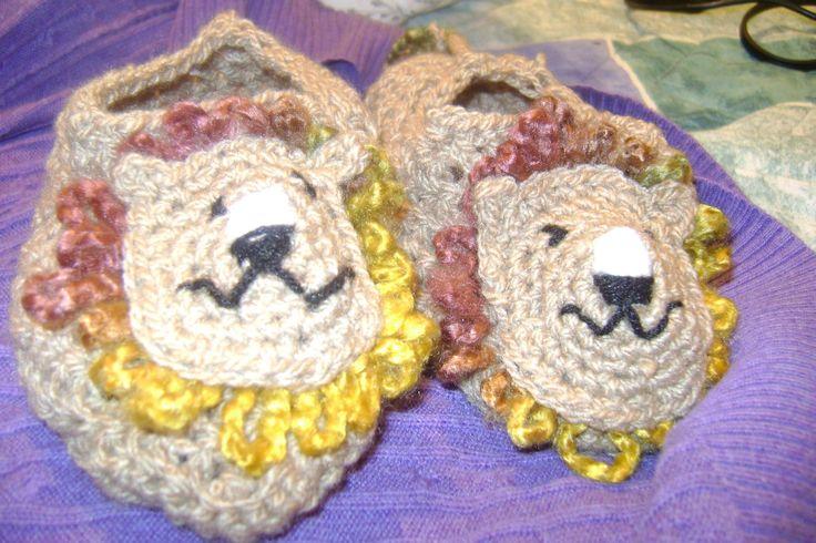 pantuflas de Leon....varios disenos...tejidas a crochet $ 5.000