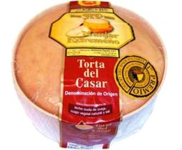 Pajuelo    TORTA DEL CASAR H.P. D.O.P. 1 Kg. aprox.    Un auténtico lujo para su paladar.  Pieza de 1 Kg. Aprox. En caja de madera retractilada con film alimentario.  Caja de 4 unidades.