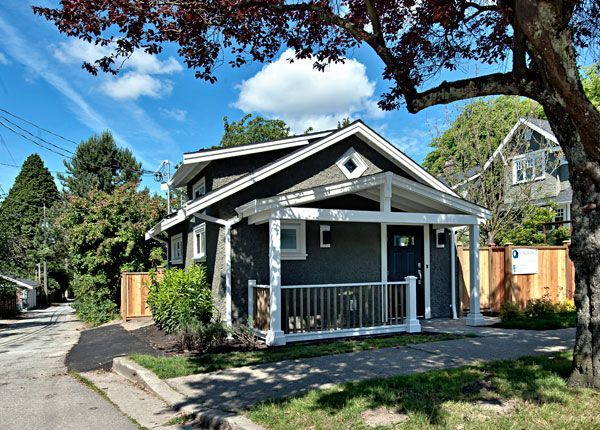 Vancouver Cottage: Where's my rich uncle when I need him the most (to buy me this cute little house)?: Small Laneway, Laneway Houses, Laneway Cottages, 400 Sq, Tiny Houses, Small Spaces, Small Houses, Lane Cottages, Small Cottages