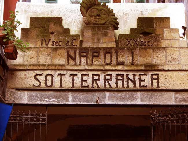 Nápoles Subterránea, Italia
