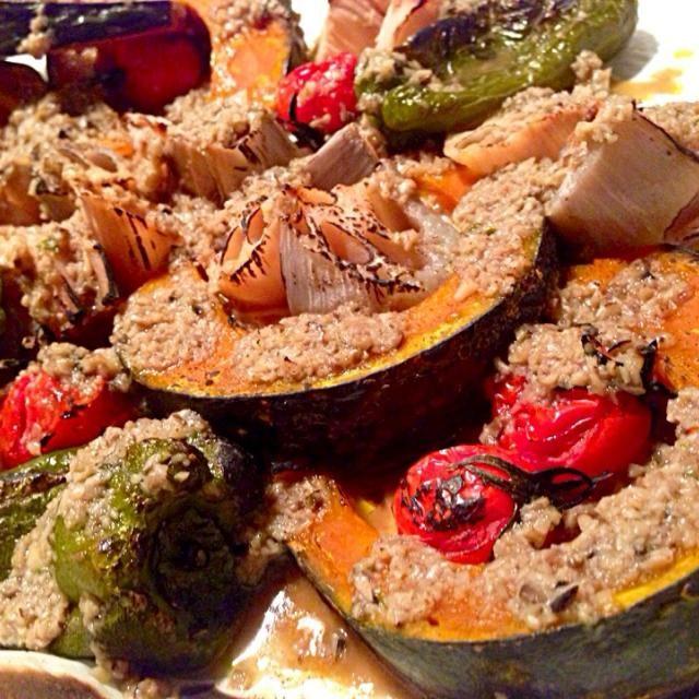 南瓜、ピーマン、トマト、蓮根。  キノコ様々 - 283件のもぐもぐ - 野菜のグリル、キノコペーストドレッシングで by 太田 Tommy