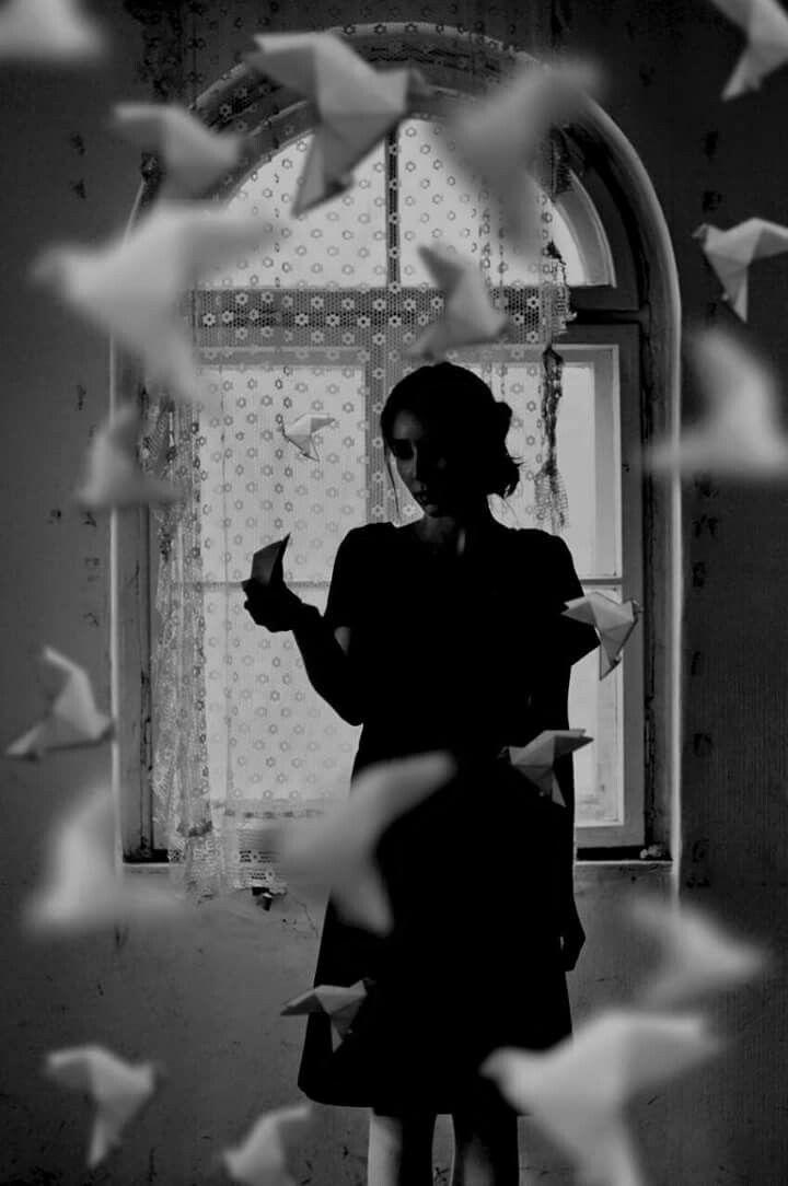 Ve bilmiyordu kimse ,yüreklerimizden uçan üzgün güvercinin inanç olduğunu. -  Furuğ Ferruhzad