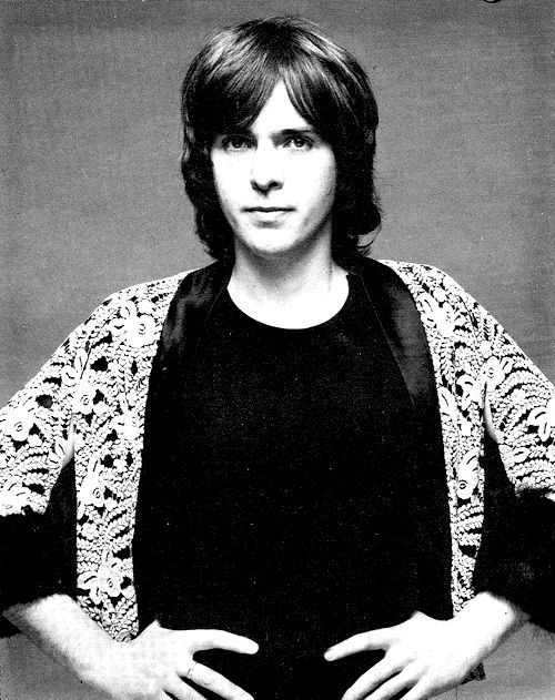 Peter Gabriel................so young