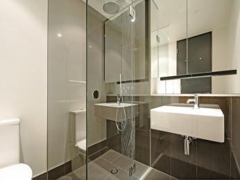 Ceramic in a bathroom design from an Australian home - Bathroom Photo 511992