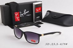 ?Mirror Ray Bans Aviators One of the most iconic sunglasses model of the world Ray Ban RB3025 aviator flash lenses. Frame material: metal Frame Color: Bronze-Cooper Lenses: Lilac Mirror Shape: Pilot size Lens-Bridge 58 14 Temple Length: 135 Practically new! Authentic will ship with case and glass cleaner towel. Accepting offers. Willing to consider good offers only. Online price $170   Tax Ray-Ban Accessories Glasses