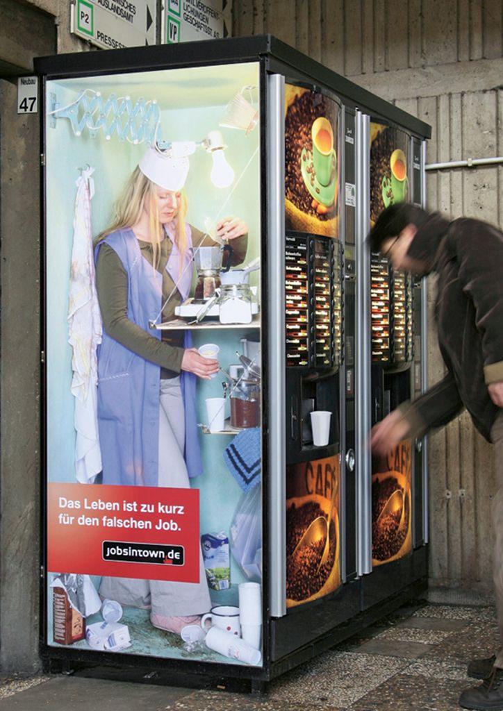 Yanlış mesleği seçmek için hayat fazla kısa! Bir alman insan kaynakları firmasının 6 yıl içinde yayınladığı reklam tasarımları: