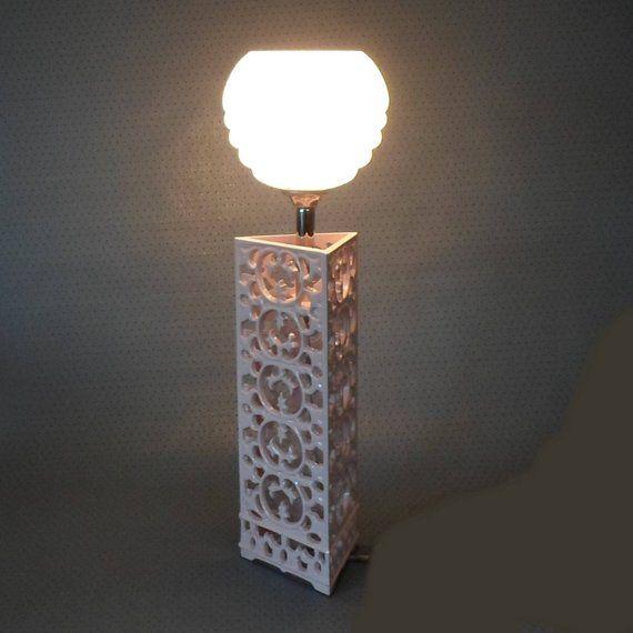 Art Deko Tischlampe Fensterleuchte Mit Emailliertem Metallfuss Und Flockenglas Lampenschirm E 14 Fassung Geschenkideen Tischlampen Lampen Lampenschirm