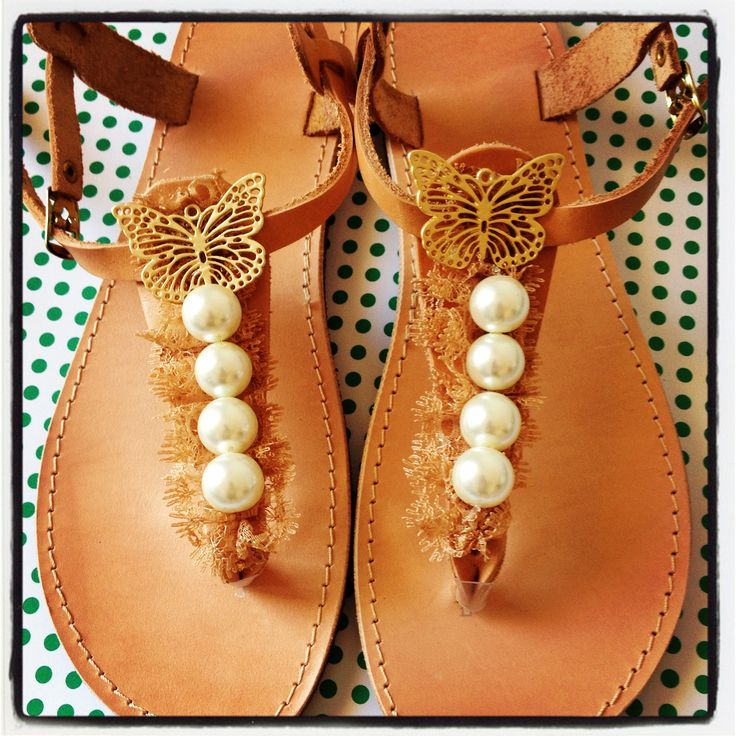 Handmade leather sandals with beige lace, white big pearls and gold butterfly