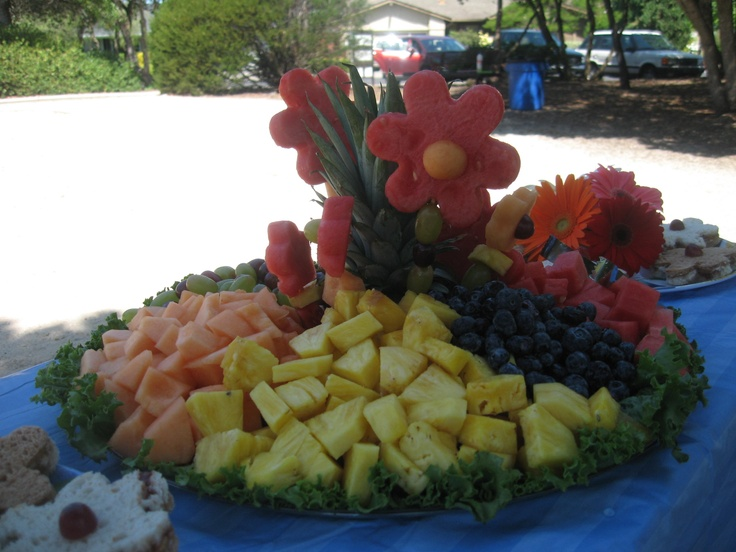 17 best images about fruit trays on pinterest fruits and for Pineapple carving designs