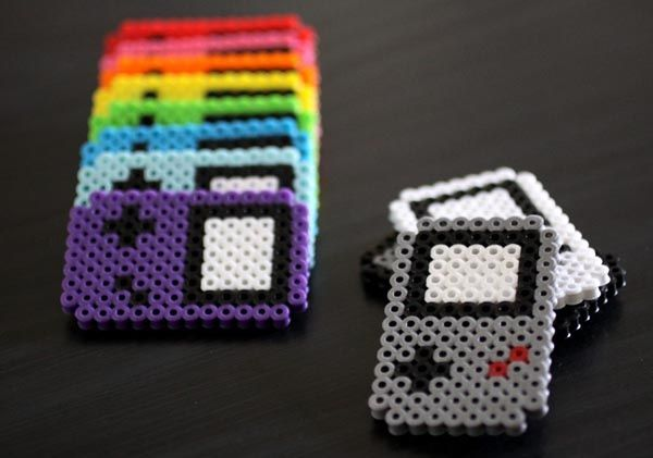 Perler beads Game Boy magnets! I forgot how much I loved making perler bead crafts until I saw this!