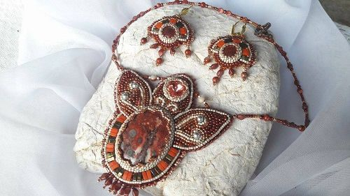 Fire Lily Bead Embroidery Set necklace and earrings