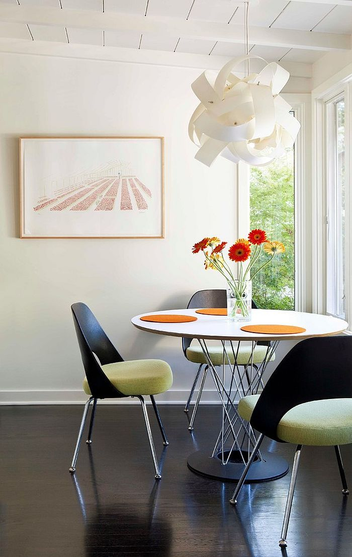 Exquisite pendant creates an instant focal point in the beuatiful dining room