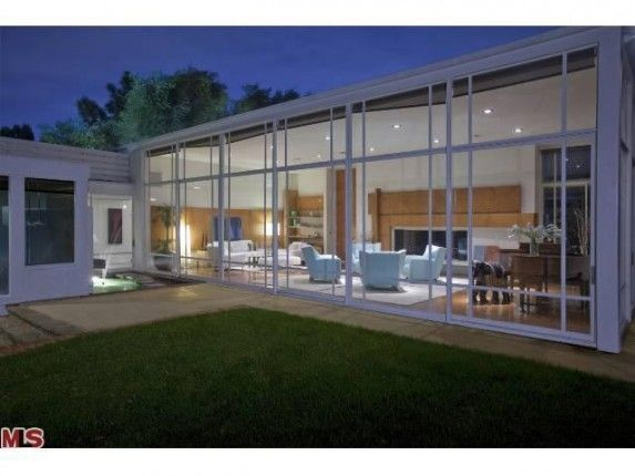 House of the Week: Glassy Modern was Rumored Rendezvous Spot for Marilyn Monroe and JFK (VIDEO) – Zillow Blog - Real Estate Market Stats, Celebrity Real Estate, and Zillow News