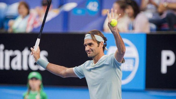Federer torna in campo dopo sei mesi e vince