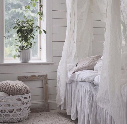 Pin by jacqueline abecassis on vintage shabby chic for Diy shabby chic bedroom