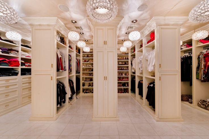 Master closet, every woman's dream!