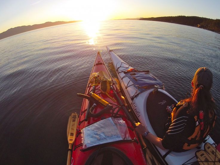 Halfmoon Sea Kayaks, Sunshine Coast Canada (604) 885-2948